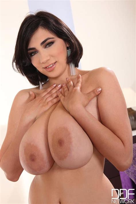 Luna Amor Big Boobs Photos