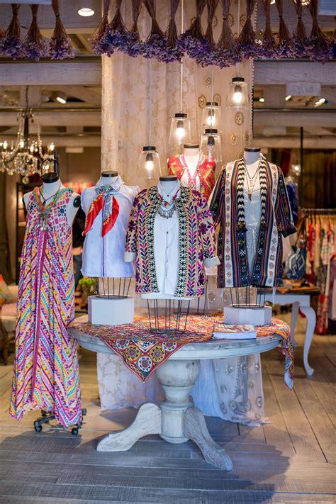 stores windows  love style fashion