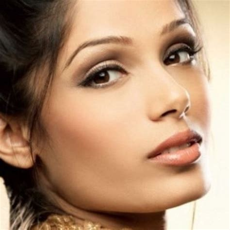 11 идей легкого макияжа для карих глаз