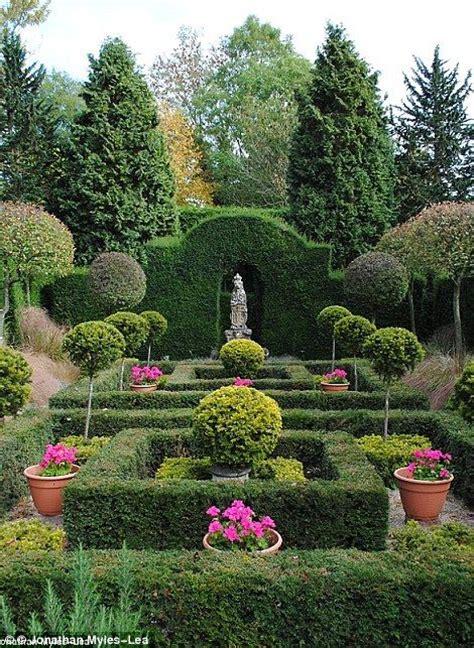 Best 25+ Formal Gardens Ideas On Pinterest  Formal Garden
