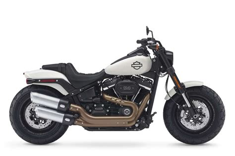 Harley Davidson Bob Modification by 2018 Harley Davidson Bob 114 Review Total Motorcycle