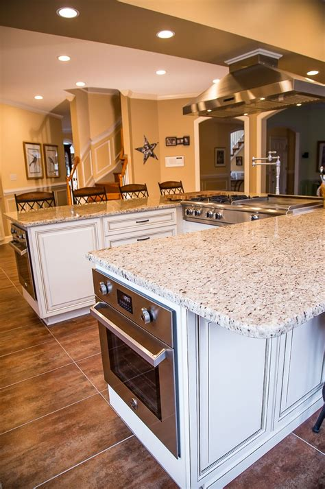 Maple Kitchen Island With Seating by Pin By Kitchen Saver On White Kitchens In 2019 Kitchen