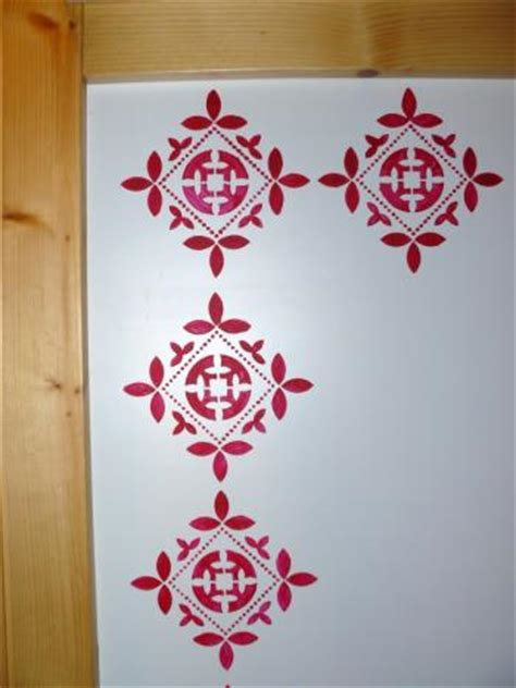 pochoirs muraux a peindre maison design goflah