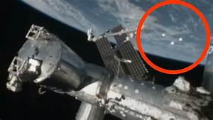 Best UFO evidence EVER - SHOCKING NASA TRIPLE UFO fly by ...