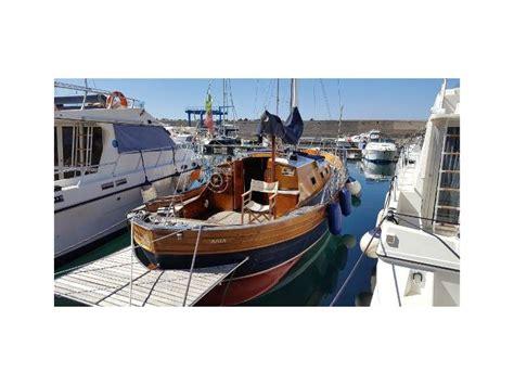 gozzo cabinato diesel bani gozzo cabinato 9 50 en italia barcos de pesca de