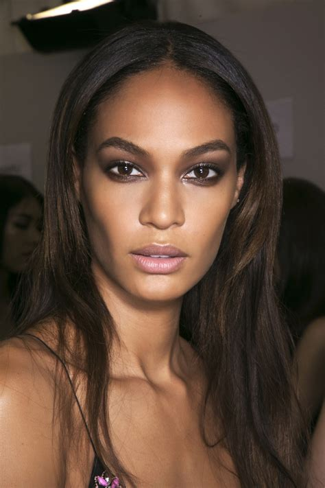 How to Create a Smokey Eye Makeup Look for Summer ...