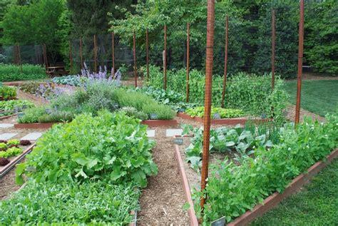 backyard veggie garden tour to benefit new educational