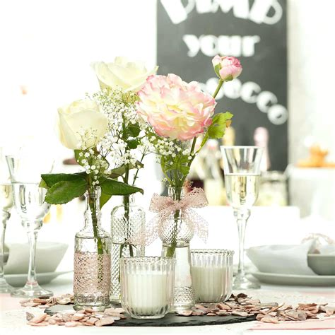 vintage hochzeitsdeko kaufen hochzeitsdeko vintage dekoideen tischdekoration hochzeit blumendeko porzellan blechdosen vasen