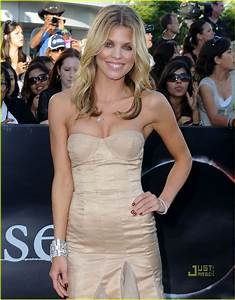 AnnaLynne McCord @ Eclipse premiere with Kellan Lutz ...