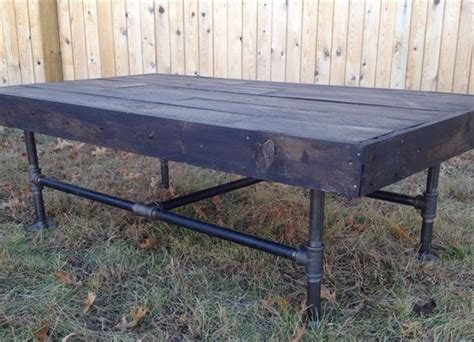 diy pallet industrial iron pipe coffee table pallet