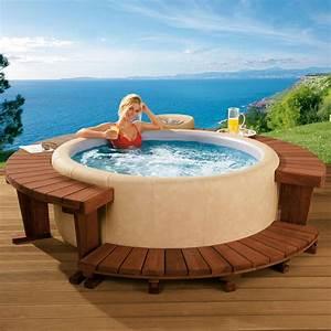 Mini Whirlpool Balkon : softub whirlpool fest und formstabil dennoch mobil ~ Watch28wear.com Haus und Dekorationen