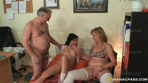 Old Kinky Tiny Pounded By A Giant Grey Haired