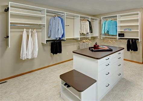 creating a walk in closet from a spare bedroom