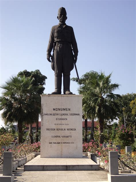 gambar  monumen monumen surabaya