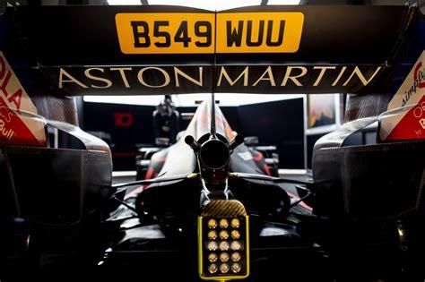 aston martin  divers aston martin red bull racing rb
