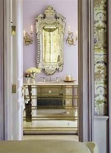 Grand Meuble Salle De Bain : comment d corer avec le grand miroir ancien id es en photos ~ Teatrodelosmanantiales.com Idées de Décoration