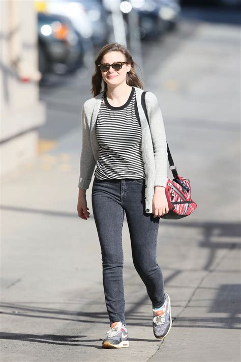 gillian jacobs jimmy kimmel  arrival