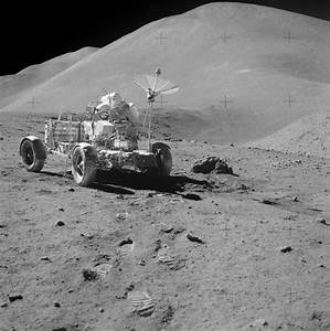 File:Apollo 15 with lunar rover.jpg - Wikimedia Commons