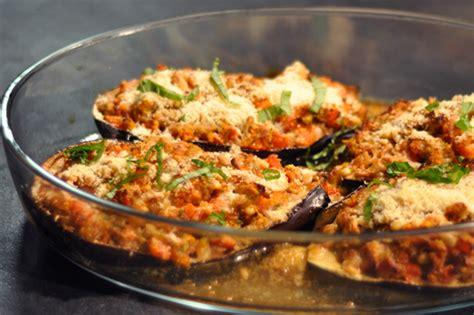 cuisiner des aubergines à la poele recette aubergines pecorino au four menu by menu