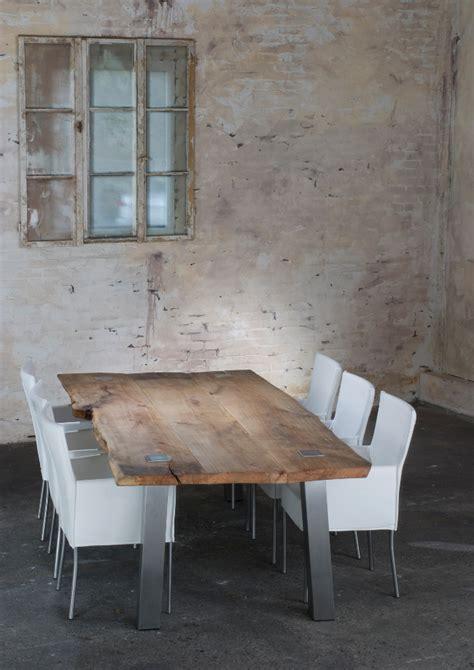 Tisch Aus Altem Holz by Alter Holztisch Im Neuen Gewandt
