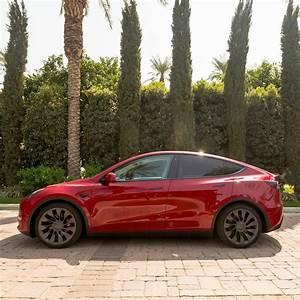Model Y / 2020 / Red Multi Coat - bde04   Only Used Tesla