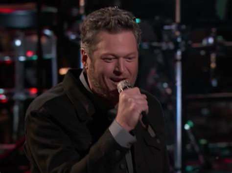 blake shelton girl watch blake shelton s soulful performance of a guy with a