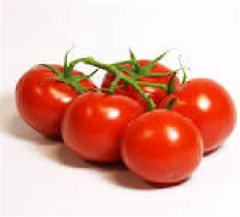 comment cuisiner des tomates vertes tomates grappes rondes rouges le kilo le domaine des 3b