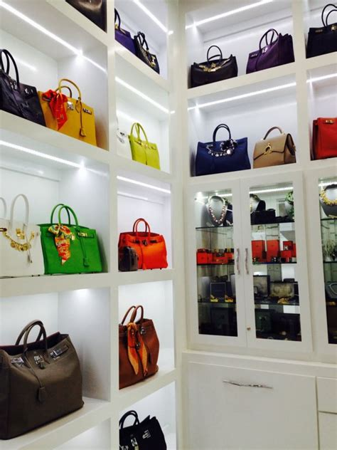 Luxury Closet Handbags by Louis Vuitton Gilded Holdings