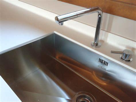 pulizia corian tecnomobili progetta e realizza top cucina in corian 174