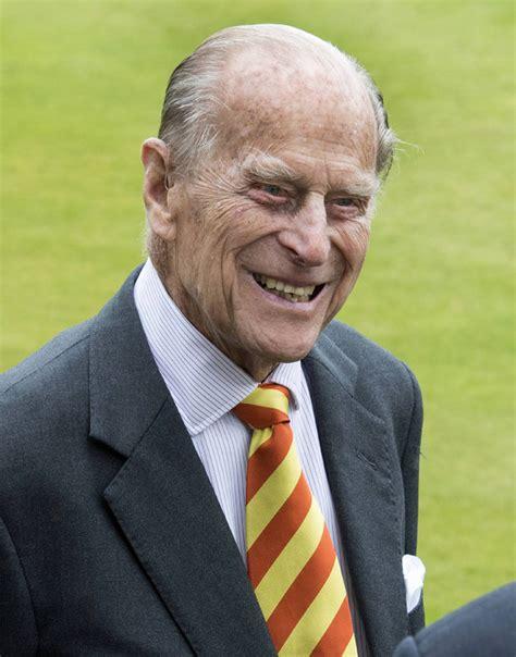 Prince Philip Health Fears Queen Calls Buckingham