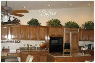 ideas to decorate kitchen how do i decorate above my kitchen cabinets la z boy arizona