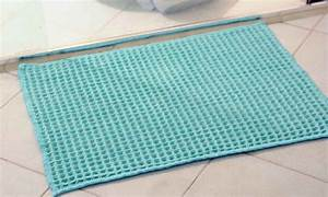 Bath mats mineral bath mat 309 view in gallery pebble for How to clean bathroom mats