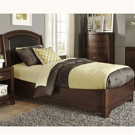 Liberty Furniture Avalon Twin Bed With Arched Leather