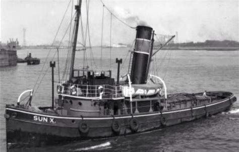 Qld Tugboat by Old Steam Tug Tugboats Pinterest Olds And Tug