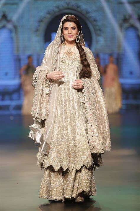 latest pakistani bridal dresses   girls styleglowcom