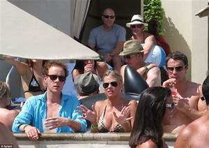 Intimate pictures from Prince Harry's wild weekend in ...