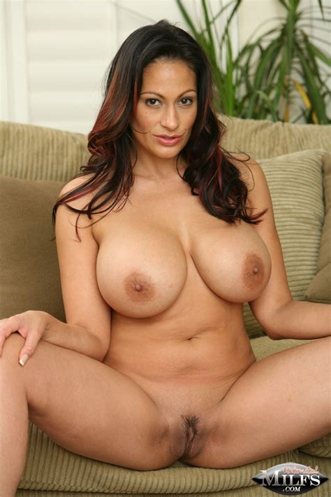 Ava Lauren At