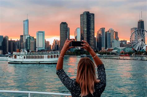 Private Sunset Boat Cruise Chicago by Cfl
