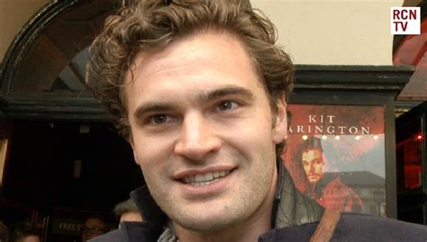 tom bateman reporter tom bateman interview doctor faustus new movie comedy