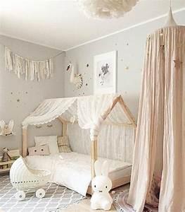 Lit Jeune Fille : 1001 id es pour am nager une chambre montessori ~ Teatrodelosmanantiales.com Idées de Décoration