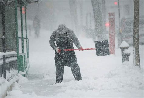 chilean capital shakes  rare snow storm business recorder