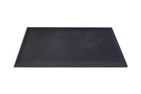 wirecutter standing desk mat the best standing desk mats the wirecutter