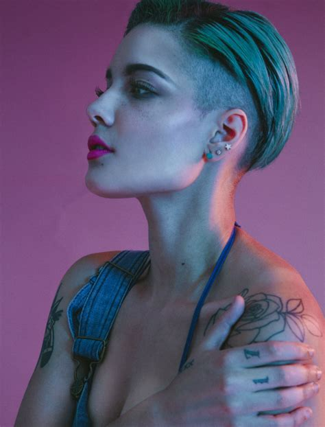 Classify singer and songwriter Halsey