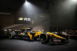 Renault Sport F1 : bell ross unveils new timepiece at renault sport f1 team new r car livery launch alvinology ~ Maxctalentgroup.com Avis de Voitures