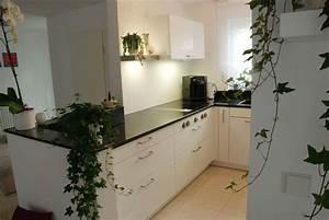Weiße Granit Spüle : k che mit steinplatte in schwarz ~ Michelbontemps.com Haus und Dekorationen