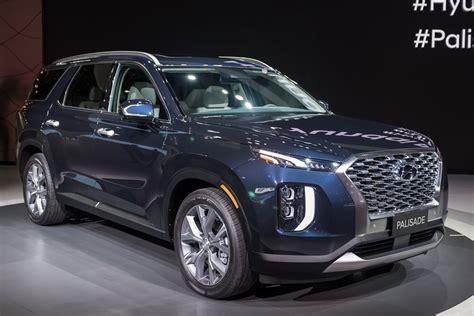 Hyundai Suv 2020 by 2020 Hyundai Palisade A Hyundai Suv With A Real Third Row