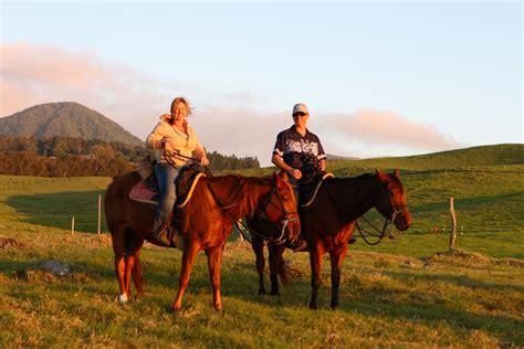 riding horseback island hawaii adventures
