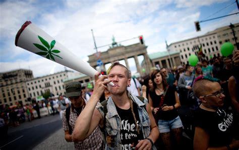 tür einstellen fällt zu hier heilmittel da quot einstiegsdroge quot wie gef 228 hrlich ist cannabis wirklich n tv de