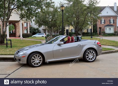 Mercedes Slk 350 Sports Car 2007 Model In Silver Grey