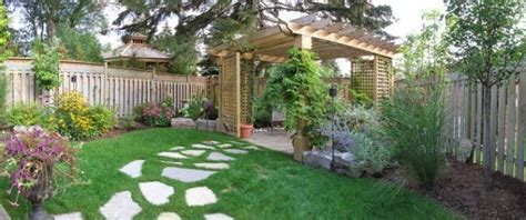 Backyard Well by 100 Landscaping Ideas For Front Yards And Backyards